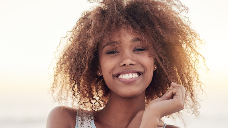 woman smiling with nice teeth