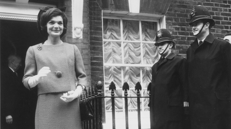 Queen Elizabeth And Jackie Kennedy S Real Relationship