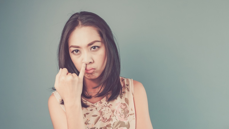 5 things mysterious irresitible women do way differently