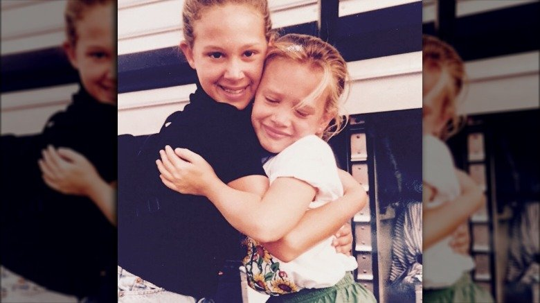 young Hilary Duff with sister Haylie Duff