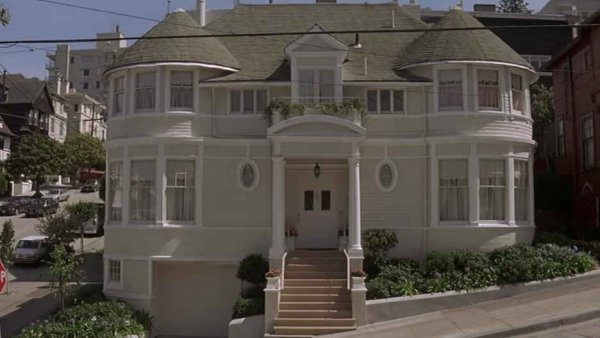 Mrs  Doubtfire: Things only adults notice