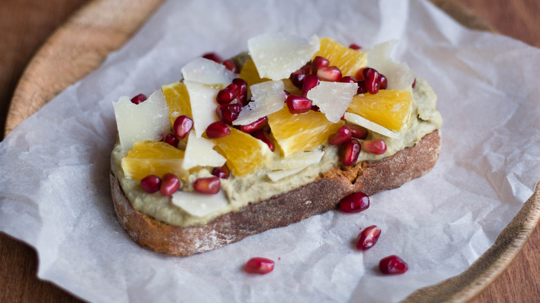 toast with hummus and fruit