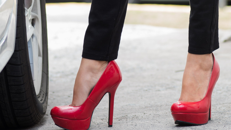 9caf1fe23c35 Things you should never wear on a date